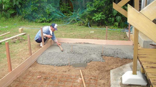 土間コンクリートもご自分で